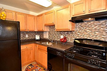 2600 Queens Chapel Rd 1-3 Beds Apartment for Rent Photo Gallery 1