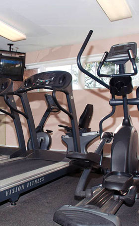 Fitness Center at apartments in Maryland Heights