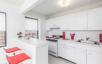 146 Beach 24Th Street 1 Bed Apartment for Rent Photo Gallery 1