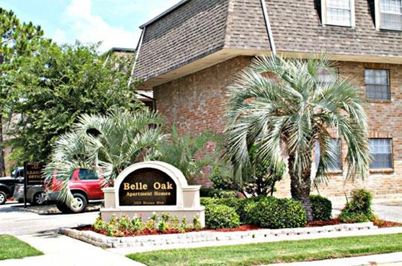 Belle oaks apartments 2221 houma blvd metairie la rentcaf for One bedroom apartments metairie