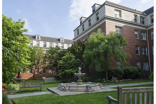 Cathedral Mansions Apartments courtyard Woodley Park Washington DC