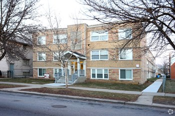 2023 N Harlem Ave 1 Bed Apartment for Rent Photo Gallery 1