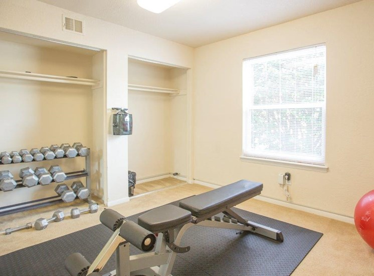 weights at affordable apartments for rent in Churchland VA