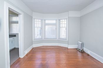381 Turk Street Studio Apartment for Rent Photo Gallery 1