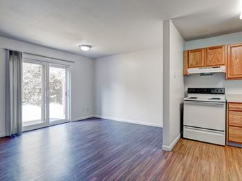 1A Rolling Green Drive 1-4 Beds Apartment for Rent Photo Gallery 1