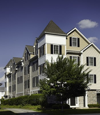 1707 Summer Court 3 Beds Townhouse for Rent Photo Gallery 1