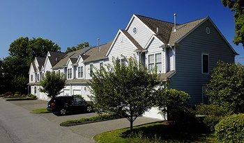 865 High Ridge Road 2 Beds Townhouse for Rent Photo Gallery 1