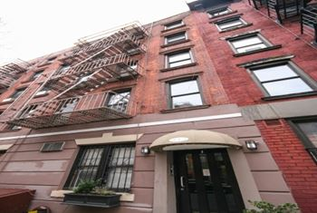 512 East 5th Street Studio Apartment for Rent Photo Gallery 1