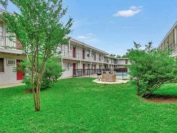1133 W Washington Street Studio Apartment for Rent Photo Gallery 1