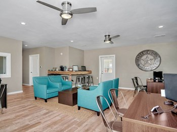 949 S Lillian Street 1 Bed Apartment for Rent Photo Gallery 1