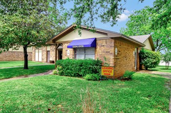 2249 NW LOOP 1-3 Beds Apartment for Rent Photo Gallery 1