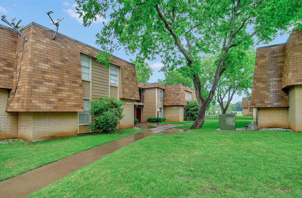 Side View at Stephenville West Apartments in Stephenville TX