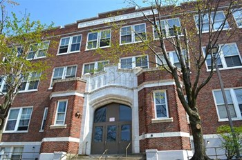 208 8Th Ave 1-2 Beds Apartment for Rent Photo Gallery 1