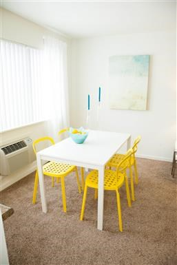 Dining Table With Chairs at Kingston Square Apartments, Indianapolis, IN, 46226