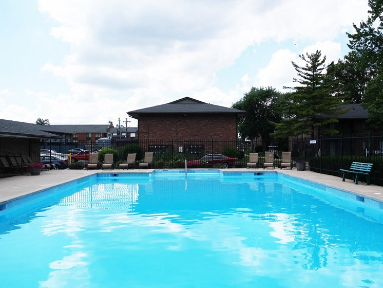 Cool Blue Swimming Pool at Kingston Square Apartments, Indiana, 46226