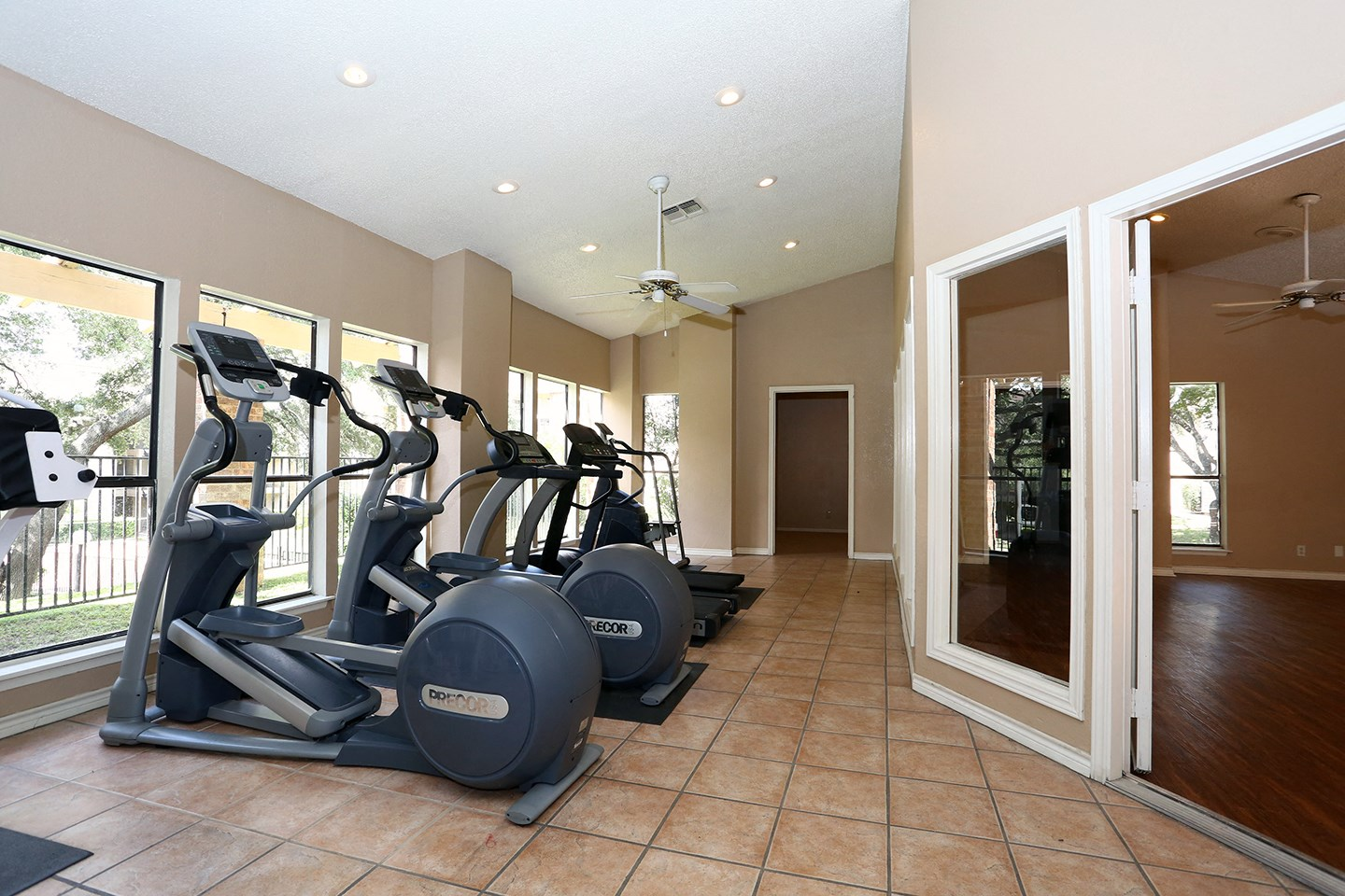 Sunset Canyon Apartments, San Antonio, Texas - fitness center