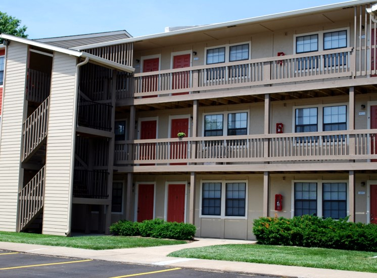 The Retreat of Shawnee Apartment Homes Picture
