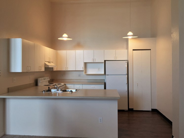 Spacious Apartment Homes at The Historic LaSalle Apartments in Downtown Toledo, OH