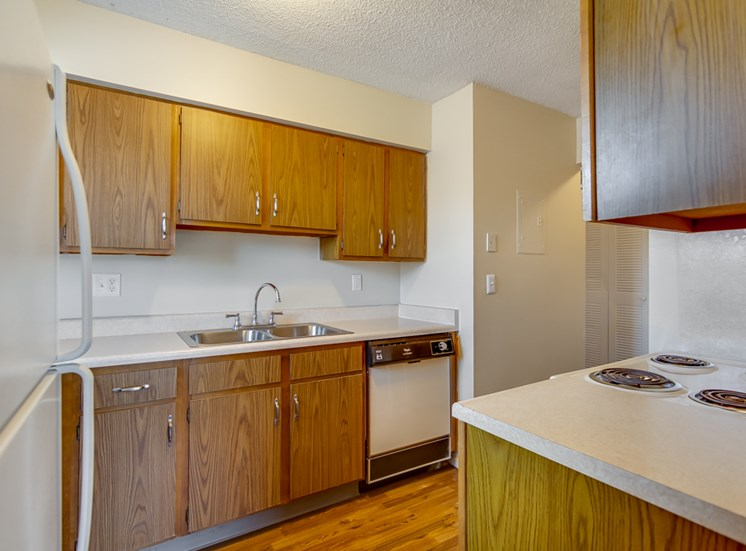 Huge kitchens at Prairie Walk Apartments in Kansas City, MO and in South Kansas City, MO