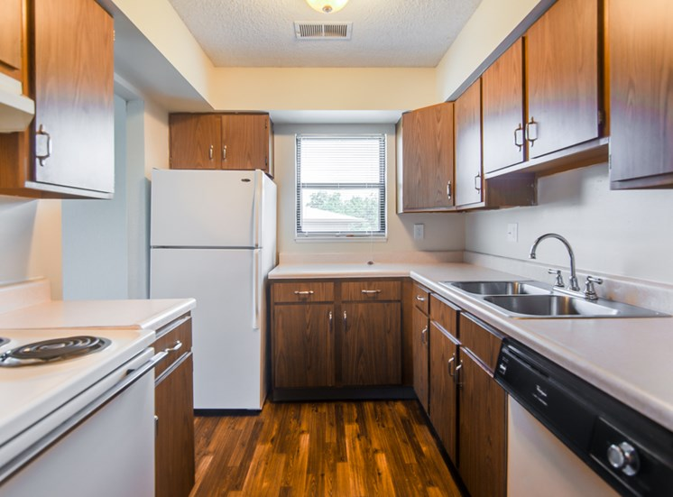 Huge kitchen with appliances at Prairie Walk Apartments in Kansas City, MO and in South Kansas City, MO