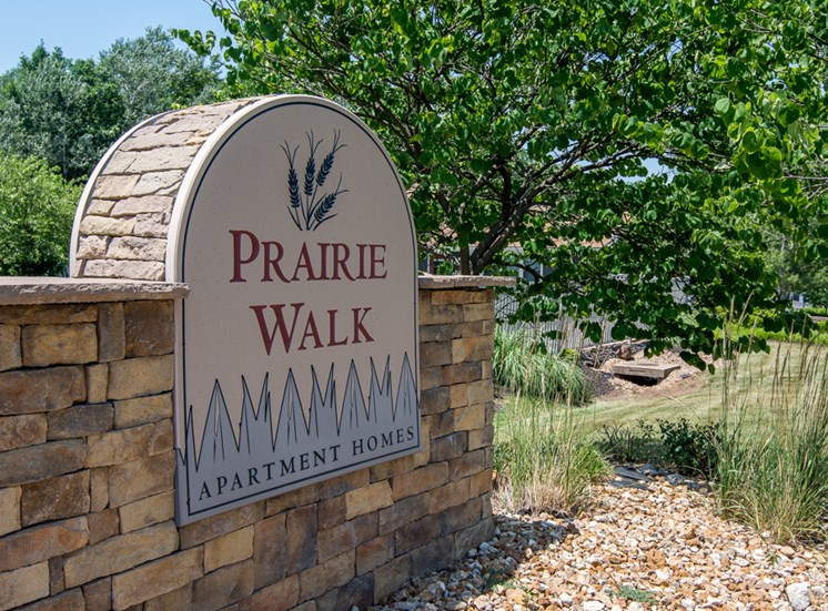 Best staff at Prairie Walk Apartments in Kansas City, MO and in South Kansas City, MO