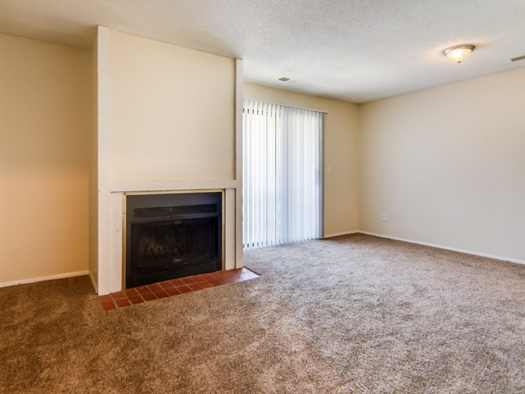 Apartments in South Kansas City, MO living room