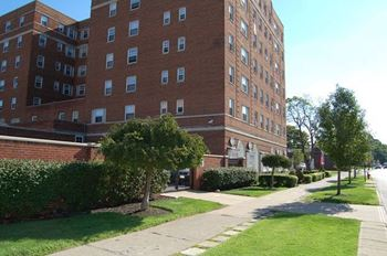 12931-12805 Shaker Blvd Studio-3 Beds Apartment for Rent Photo Gallery 1