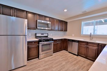 11932 Twinlakes Dr Studio 3 Beds Apartment For Rent Photo Gallery 1