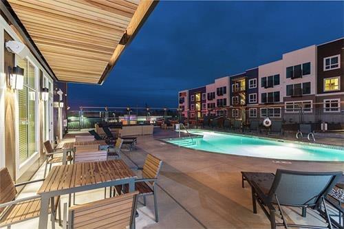 altia resort style pool