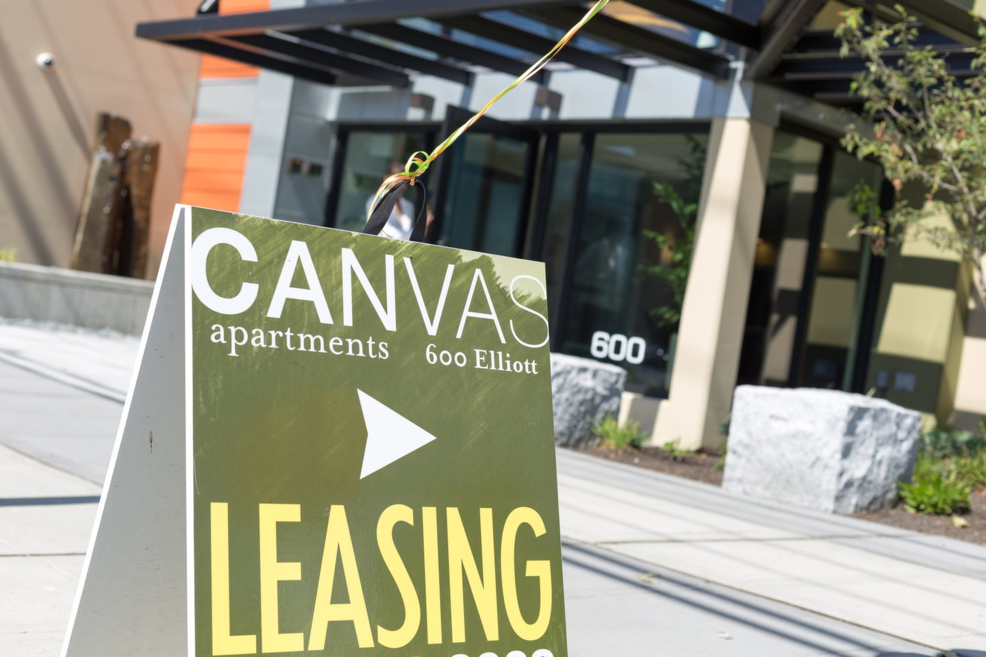 Easy Leasing at Canvas Apartments, Seattle, WA,98119