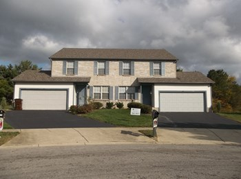 6950-D Americana Parkway 2-4 Beds House for Rent Photo Gallery 1