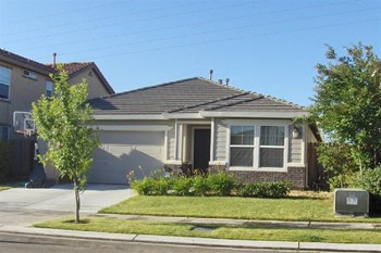 1534 La Sierra St 3 Beds House for Rent Photo Gallery 1
