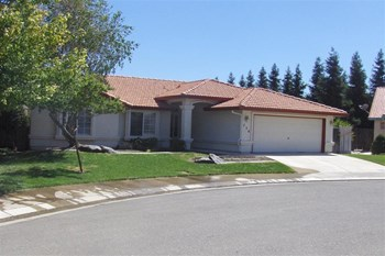738 Wren Ct 4 Beds House for Rent Photo Gallery 1