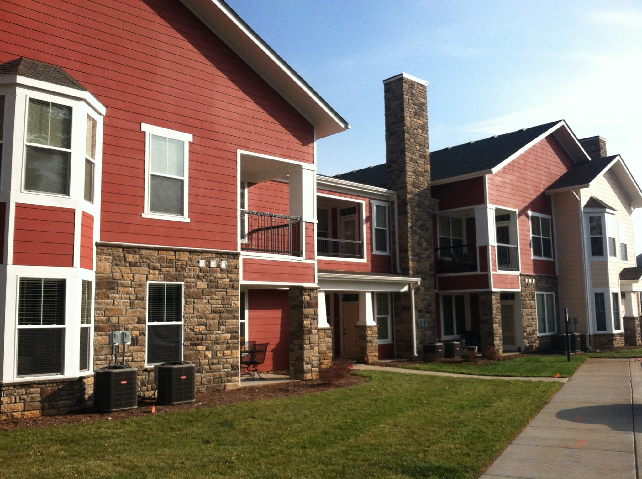 Exterior at Hurstbourne Estates Apartments in Louisville, KY