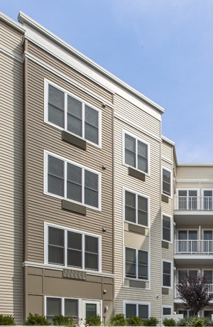 The Monarch, East Rutherford, NJ, rental community, apartment complex, courtyard, life size chess