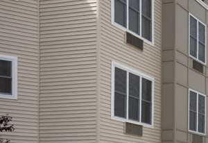 The Monarch, East Rutherford, NJ, rental community, apartment complex, courtyard