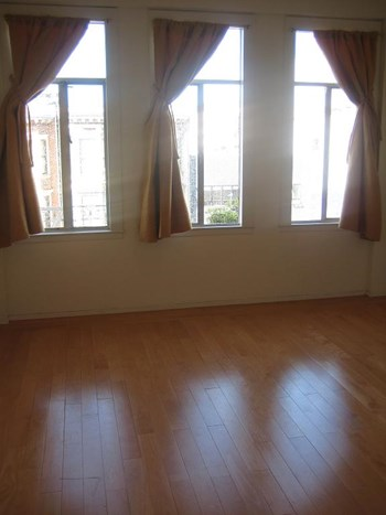 2061 Mission St. Studio Apartment for Rent Photo Gallery 1