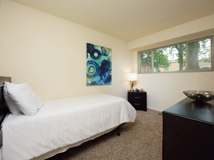 Modern Bedroom at Cardiff Hall Apartments, Towson, MD,21204