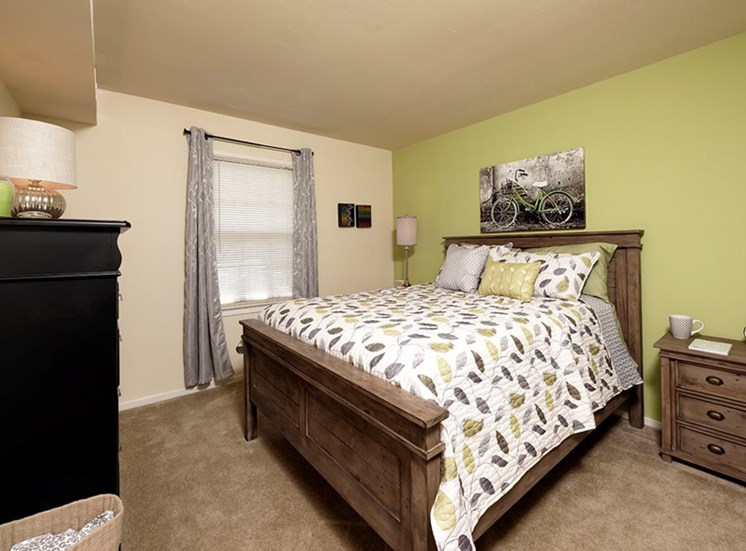 Live in cozy bedrooms at Courthouse Square Apartments, Towson, MD,21286
