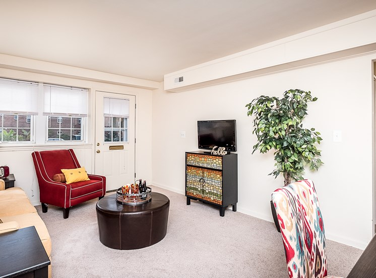 Cross Country Manor model apartment, MD, 21215