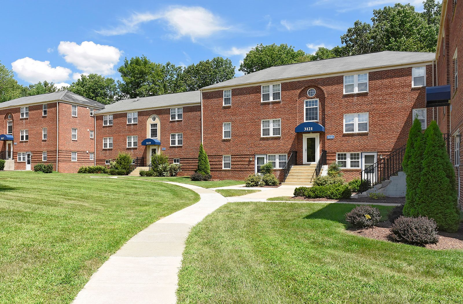Walking Trails at Cross Country Manor Apartments, Baltimore, MD, 21215