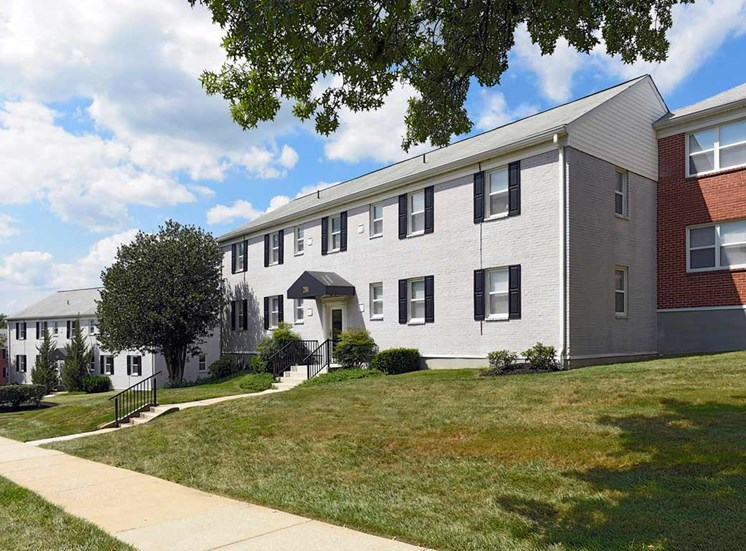 Walking Trails at Donnybrook Apartments, Towson, MD,21286