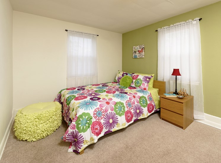 Live in cozy bedrooms at Donnybrook Apartments, Towson, MD,21286