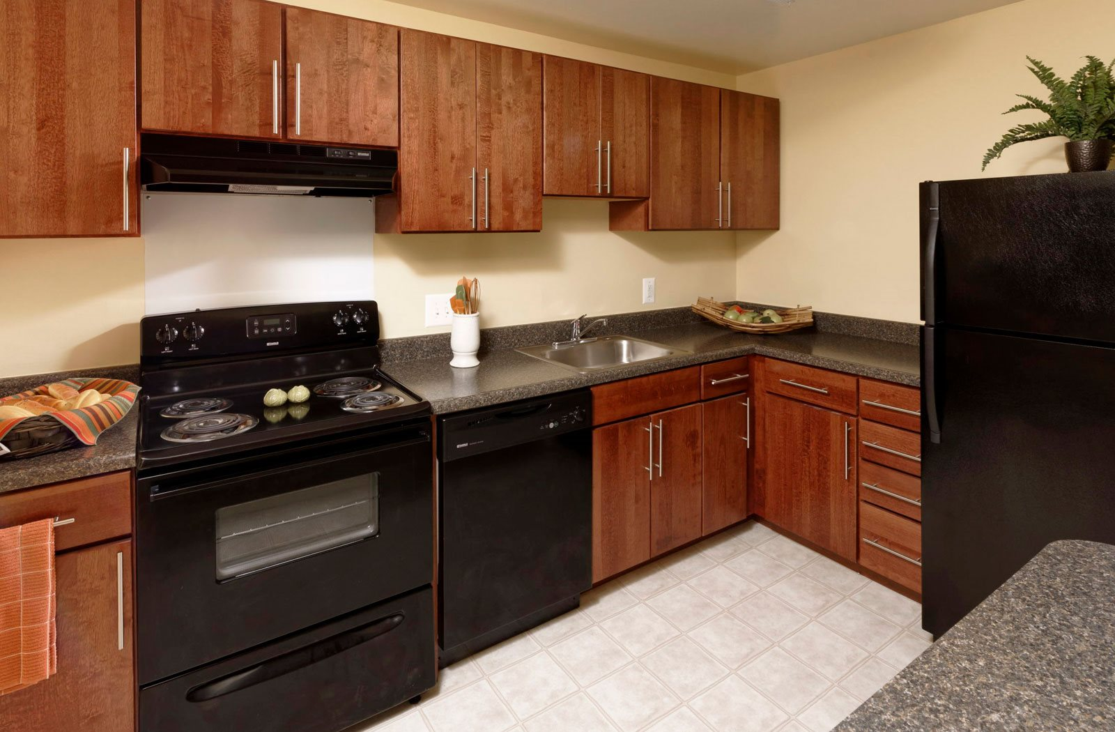 Fully equipped kitchen at Kenilworth at Charles Apartments, Towson, MD, 21204