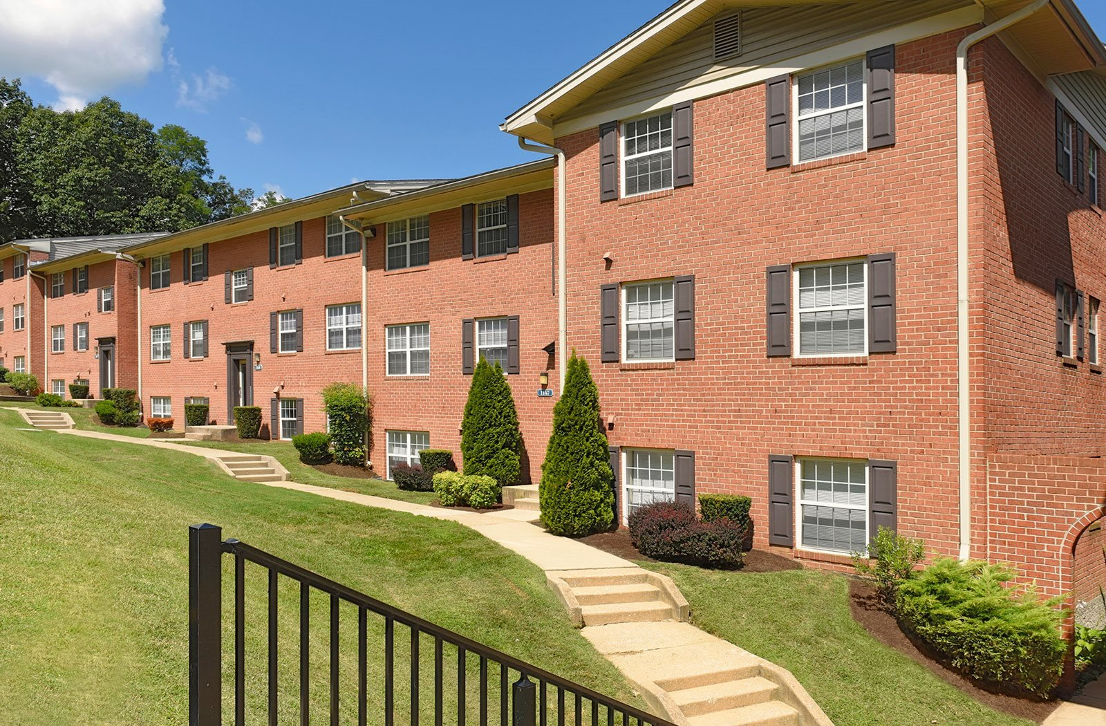 Renovated Apartment Homes Available at Kenilworth at Charles Apartments, Towson, MD, 21204