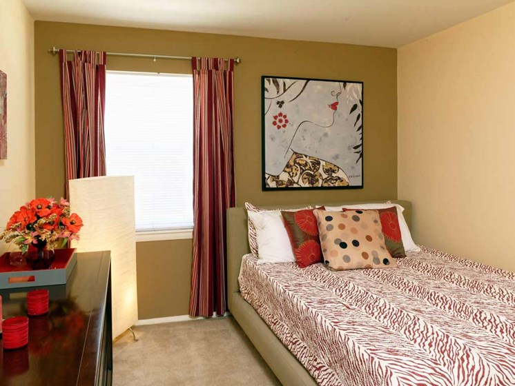 Live in cozy bedrooms at Kenilworth at Charles Apartments, Towson, MD,21204