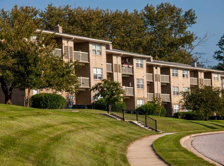 Renovated Apartment Homes Available at Kenilworth at Perring Park Apartments, Parkville, MD,21234