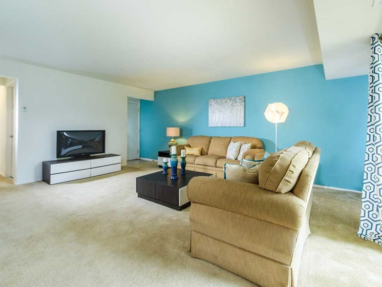 Open Living Areas, Kenilworth at Perring Park Apartments, Parkville, M