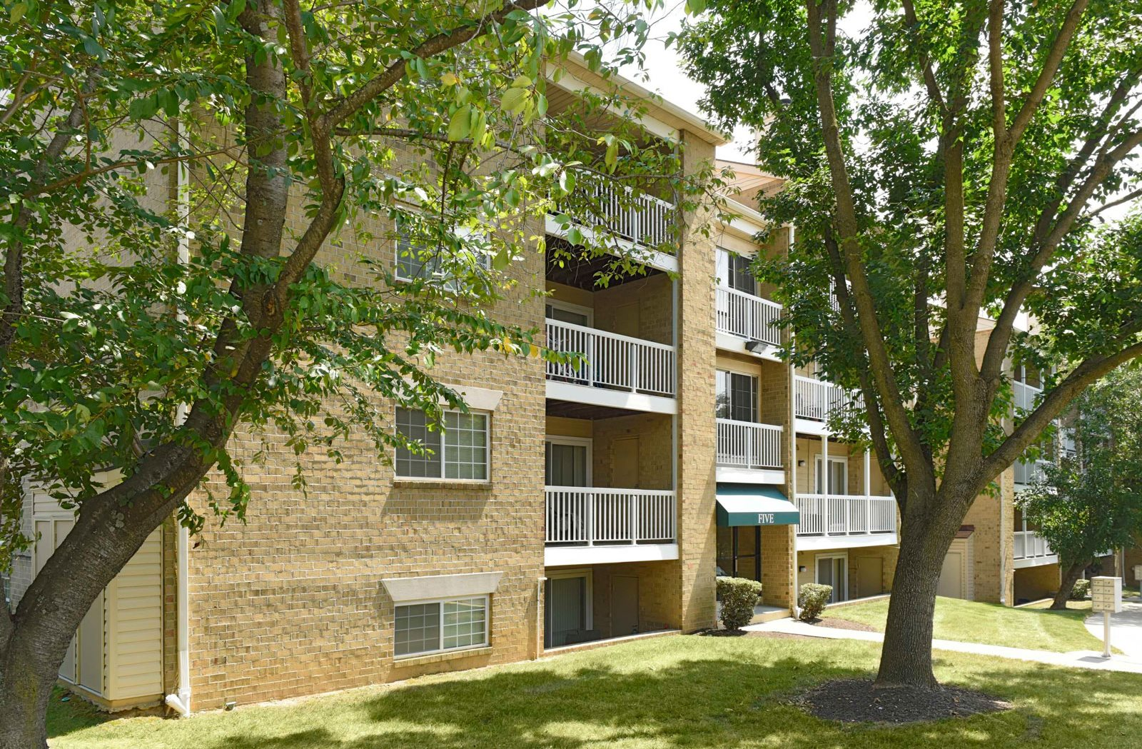 McDonogh Township Apartments | Apartments in Owings Mills, MD