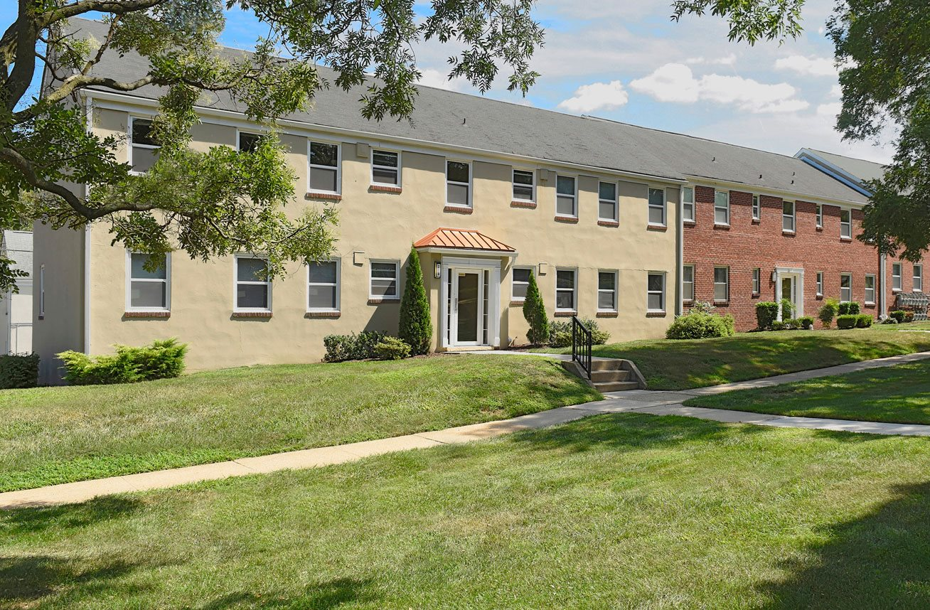 Walking trails at Mount Ridge Apartments, Baltimore, MD, 21228